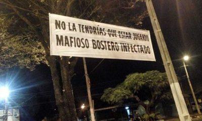 Hinchas de River en Asunción recibieron a Boca con pasacalles poco amigables
