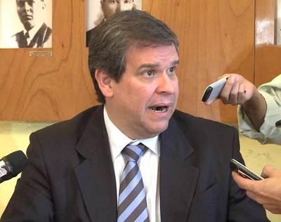 Exministro de Hacienda plantea un nuevo modelo económico