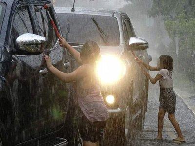 Obligaban a sus hijos a trabajar en  los semáforos