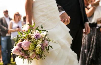 Fiesta de matrimonio crea fatal cadena de contagios: hasta ahora van siete muertos por coronavirus