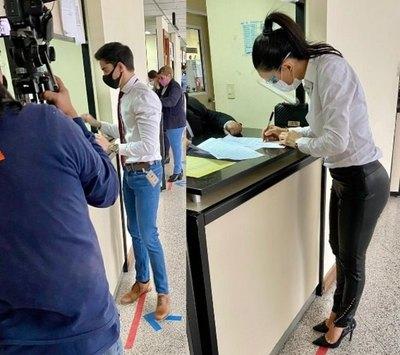 Crónica / Ruttia y Helem a juicio oral contra cantante