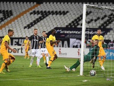 Kane y Ndombelé rescatan al Tottenham de Mourinho