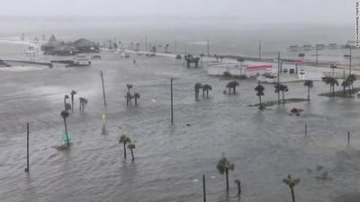 El huracán Sally inundó a Florida con '4 meses de lluvia en 4 horas', según autoridades