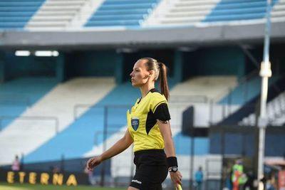Primera árbitra en la Libertadores