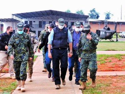 Mario Abdo Benítez llegó a la base del CODI en Concepción