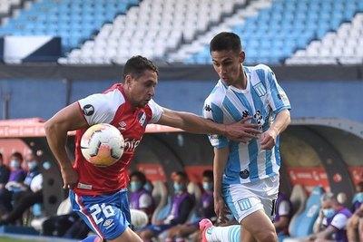 Con Matías Rojas de titular, Racing cayó de local ante Nacional