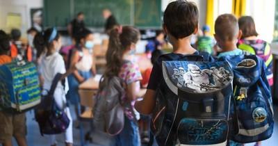 La Nación / Nueva York vuelve a aplazar el retorno presencial a la escuela
