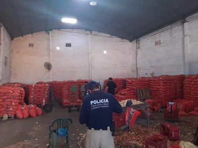 Incautan 32 toneladas de cebollas en zona del Abasto