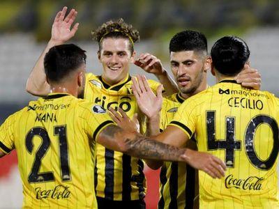 Guaraní golea a Tigre y le sigue la pisada al Palmeiras