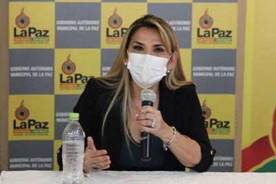 Presidenta interina de Bolivia renuncia a candidatura en comicios de octubre