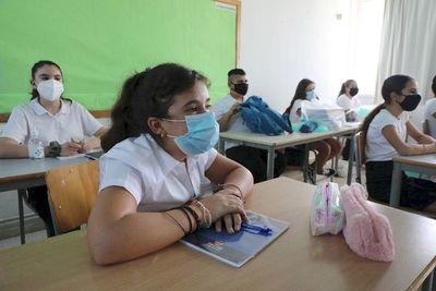 Más de 30 millones de casos de COVID-19 en el mundo, que se arma con nuevas medidas
