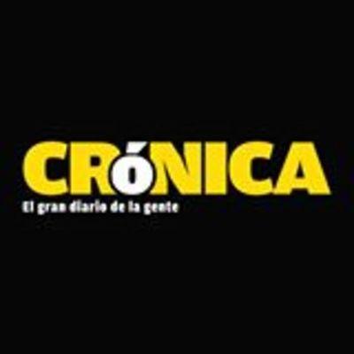 Crónica / Él, 58 AÑOS Y ELLA 22