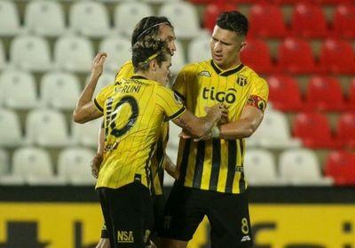 Espectacular remontada y goleada de Guaraní para seguir firme en Copa