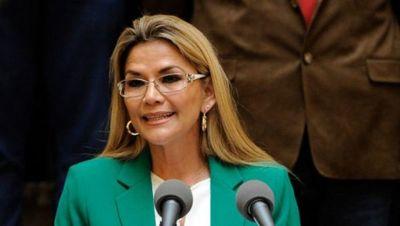 Jeanine Áñez anuncia que no se presentará a elecciones en Bolivia