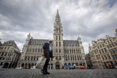 Contagios y hospitalizaciones aceleran en Bélgica, con epicentro en Bruselas