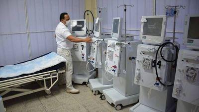 Gobernación costeará reparación de maquinarias para diálisis del Hospital