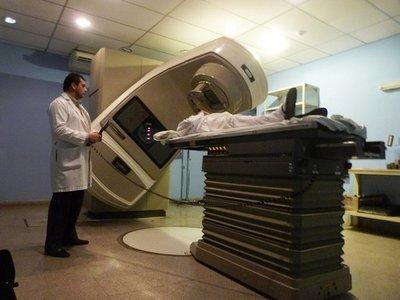 INCAN: reparan acelerador lineal para pacientes que requieren radioterapia · Radio Monumental 1080 AM