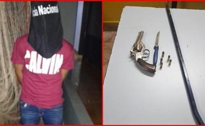 Entraron a robar en una boutique, dos fueron aprehendidos y uno escapó