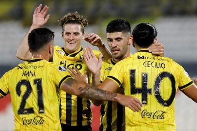 Guaraní goleó a Tigre y le sigue la pisada al Palmeiras
