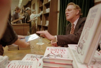 "HOY / Fallece Winston Groom, el autor de la novela ""Forrest Gump"""