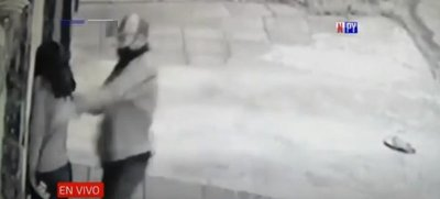 Violento ataque de motochorro a una joven en Loma Pytâ