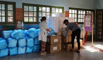 "HOY / ""Padrinos mágicos"" donan equipos de protección a Pediatría de Clínicas"