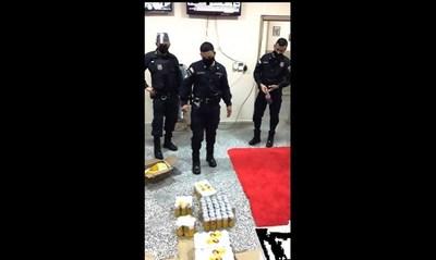 Pillan a guardiacárceles cuanto estaban por introducir 120 latas de cerveza a penitenciaría