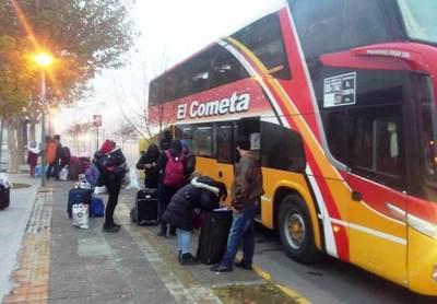 Pandemia: Más de 6.000 paraguayos retornaron de la Argentina •