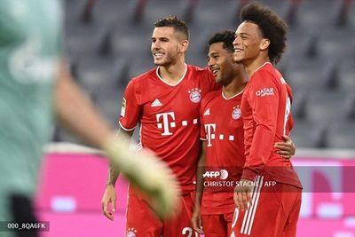 Bayern golea al Schalke con triplete de Gnabry