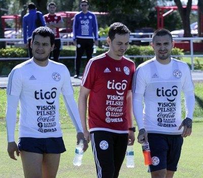 Los futbolistas que vuelven a ser tenidos en cuenta en la Albirroja
