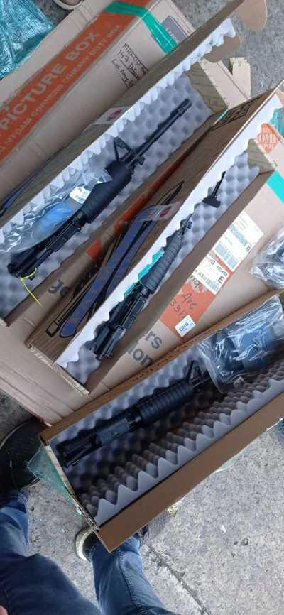 Incautan partes de armas automáticas que se pretendía ingresar de forma ilegal