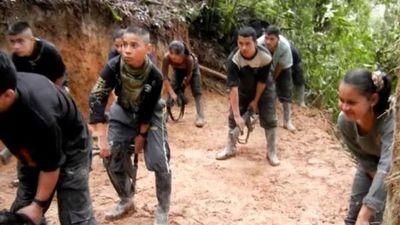 FARC admite reclutamiento de menores y acoso sexual ante tribunal de paz en Colombia