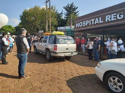 Emotiva despedida a enfermero que falleció a causa del COVID-19