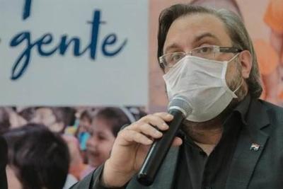 """HOY / COVID-19: Paraguay está en una """"meseta"""" pero se avizora un aumento de casos"""