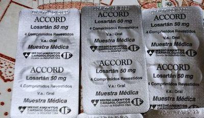 Pacientes crónicos del IPS denuncian que reciben muestras médicas