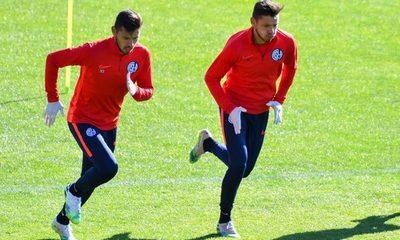 Ángel Romero se disculpa tras lesionar a compañero en la práctica