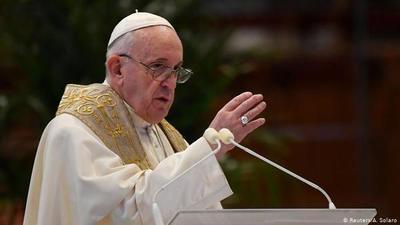 """Papa Francisco pide que la vacuna contra COVID-19 sea """"universal"""""""