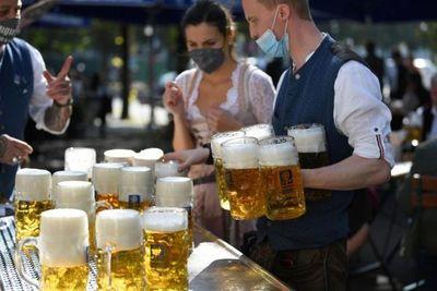 Alemania vuelve a los niveles de contagio de abril y renuncia a las alegrías en masa