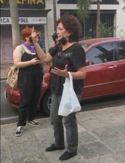 """Abogado de investigada por protesta frente al Panteón critica accionar de la Fiscalía: """"Acá están inventando hechos"""""""