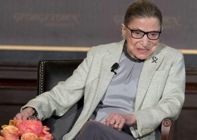 """Trump homenajea a la magistrada Ruth Bader Ginsburg como un """"titán de la ley"""""""