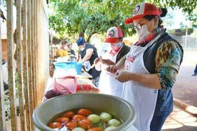 Unas 225.000 reciben un plato de comida gracias a las ollas populares
