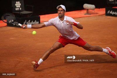 Djokovic y Muguruza sufren, pero avanzan a semifinales