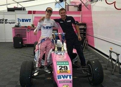 Duerksen cierra la segunda carrera de Hockenheim en el puesto 11