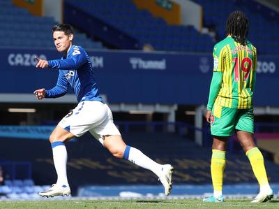 James se estrena en las redes en victoria del Everton