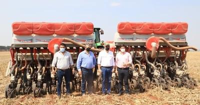 La Nación / Se inició la campaña de siembra de maíz y soja 2020/2021