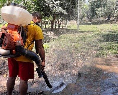 Crónica / DÍA MUNDIAL DE LA LIMPIEZA: Bomberos limpiaron parque histórico