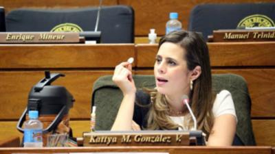 Kattya pide políticas para evitar que más niños sean reclutados