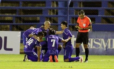 'Vamos a cambiar a todo el equipo si hay necesidad', explota Figueredo