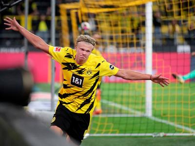 Erling Haaland comanda la goleada del Dortmund