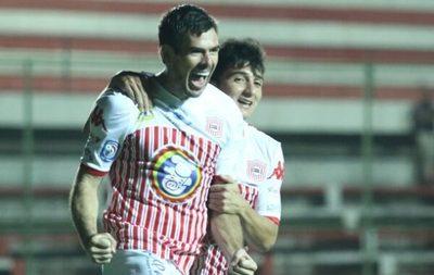 """San Lorenzo gana en el debut del """"Tiburón"""""""